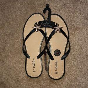 Shoes - VeeVee flip flops